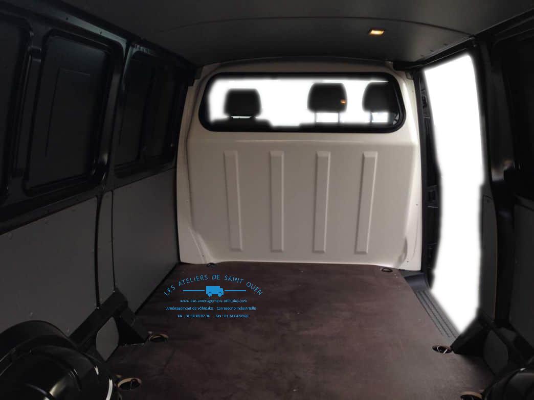 amenagement en polyester pour vehicule utilitaire et cover complet. Black Bedroom Furniture Sets. Home Design Ideas