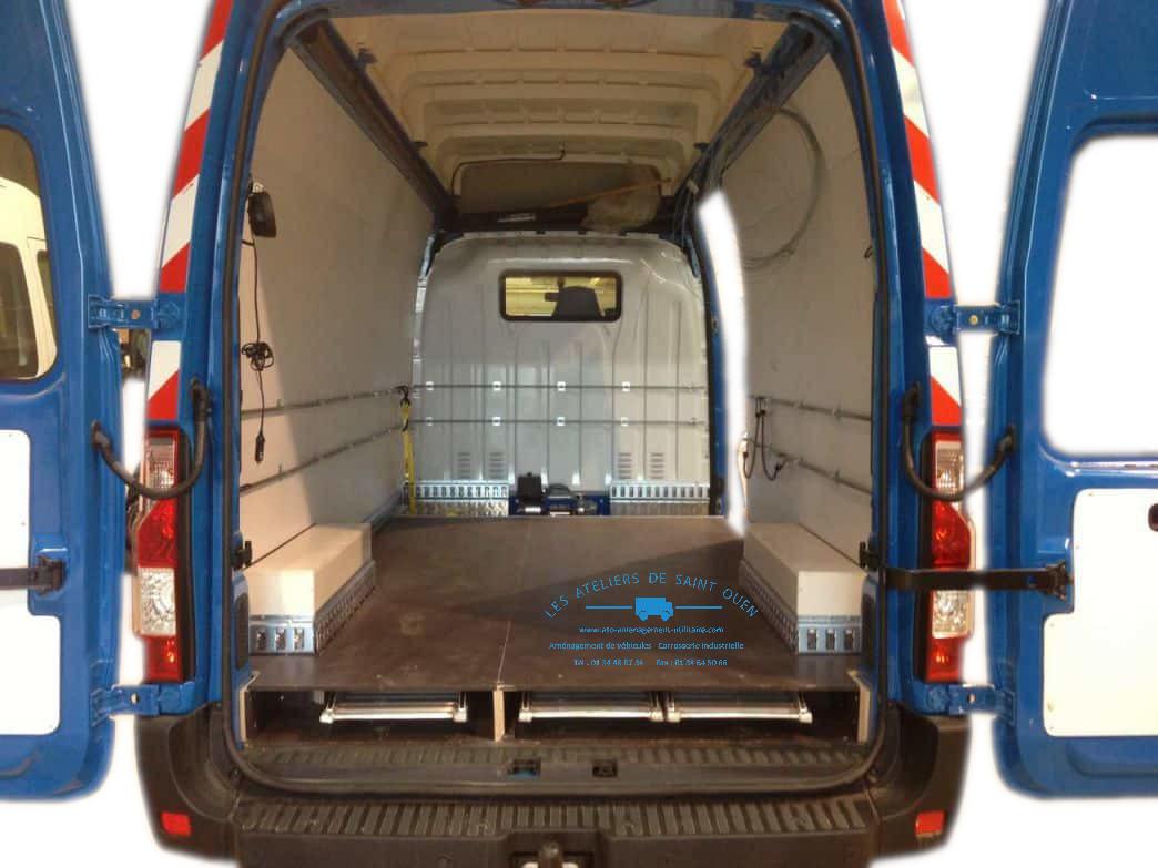 Equipement utilitaire am nagement pvc pour fourgon et for Amenagement interieur de vehicule utilitaire