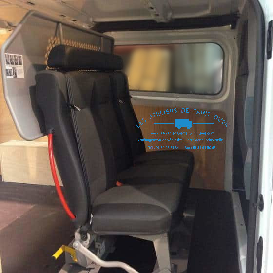 Häufig Utilitaire Ford Custom et Ford Transit, installation de cabine  ZI81