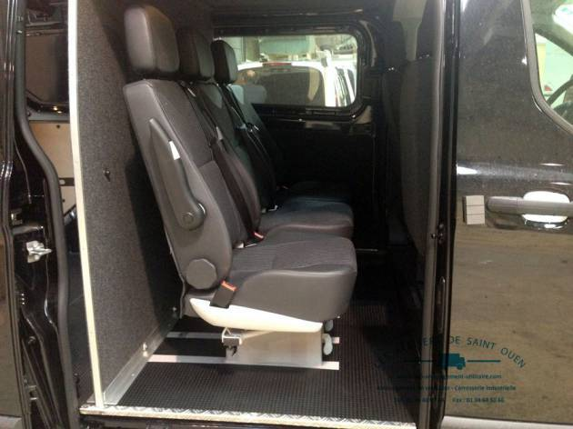 utilitaire ford custom et ford transit installation de cabine approfondie. Black Bedroom Furniture Sets. Home Design Ideas