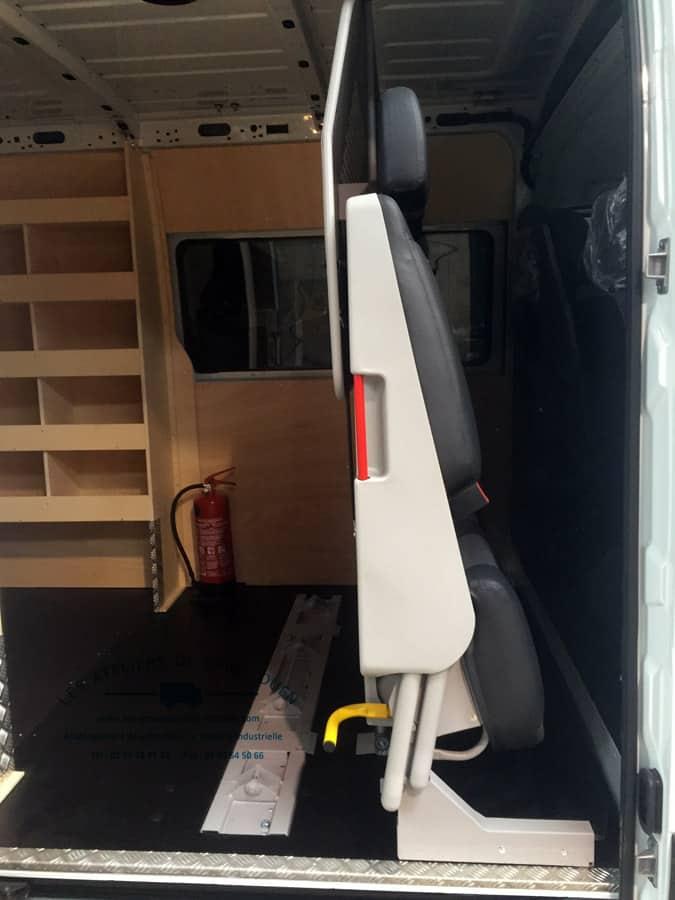 installation de cabine pour utilitaire renault master et renault trafic. Black Bedroom Furniture Sets. Home Design Ideas