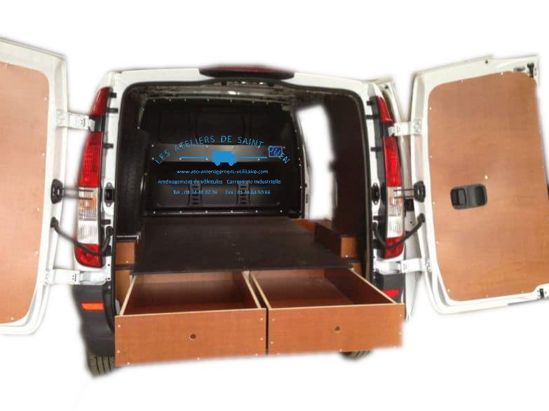 double plancher bois et tiroirs pour l 39 am nagement de votre utilitaire. Black Bedroom Furniture Sets. Home Design Ideas